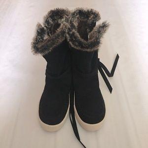 Toms Boots Black Waterproof Suede Faux Fur Sz 8.5M